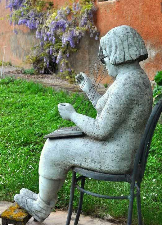 Una delle sculture del Giardino di Daniel Spoerri