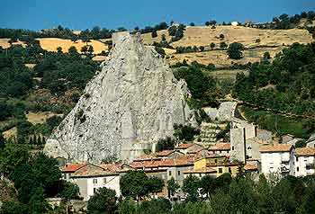 Roccalbegna. Cartolina Dalla Maremma Toscana.