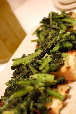 Come Antipasto…si Mangiano I Crostini Di Cavolo Nero