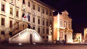 Piazza Dei Cavalieri Di Sera