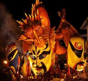 A Viareggio è Sempre Carnevale, Anche In Estate. Gli Appuntamenti Del Carnevale Estivo 2011
