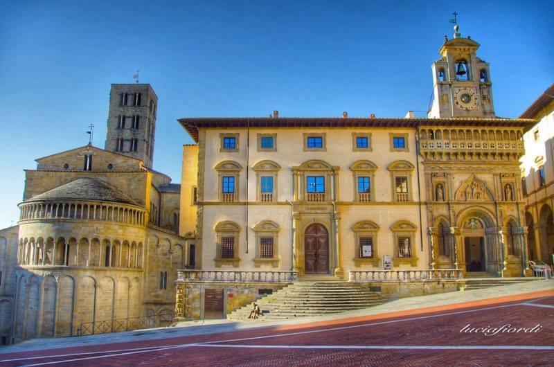 Piazza Grande Ad Arezzo, Nota Anche Come Piazza Vasari