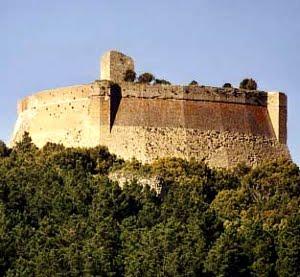 La Rocca Di Sillano A Pomarance, In Provincia Di Pisa