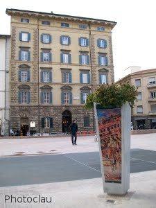 installazioni in piazza attias