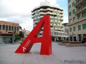 Piazza Attias A Livorno. La Storia E Il Nuovo Aspetto