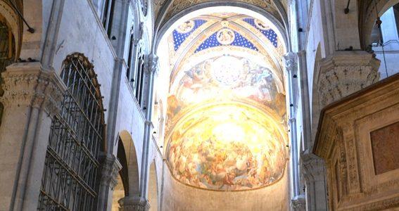 Duomo Di Lucca. L'interno.