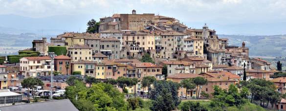 Chianciano Terme. Tra Storia E Monumenti Oltre Le Acque.