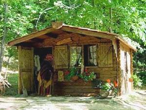 A Casa Della Befana In Toscana Nel Bosco Di Pegnana Di Barga (LU)