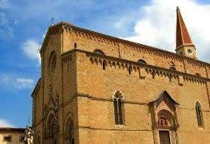 Piazza Duomo Ad Arezzo E La Cattedrale Di San Donato
