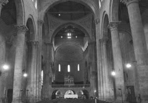 interno santa maria pieve