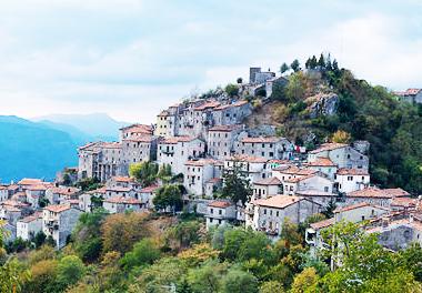 Visitiamo Montefegatesi, Antico Borgo In Provincia Di Lucca