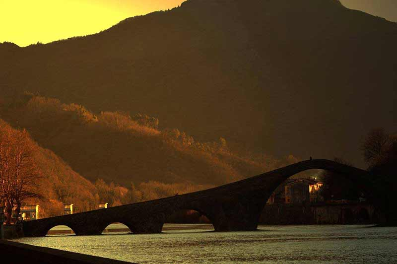 Ponte De Diavolo. Foto Di Roberto De Lorenzo