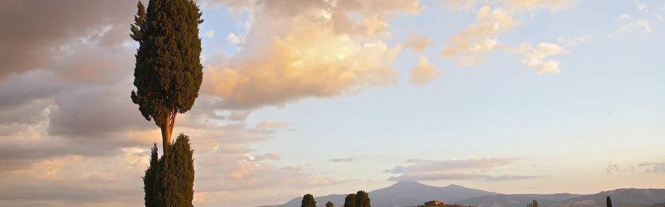 Val D'orcia E I Suoi Paesaggi Lunari