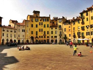LUCCA AND ITS SURROUNDINGS