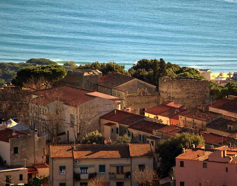 Borgo San Piero. Famoso Per L'estrazione Del Granito