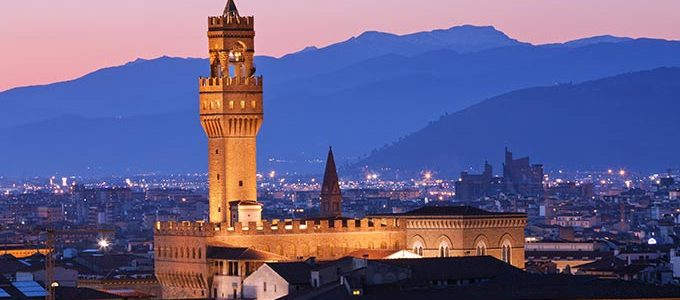 Firenze, Il Famoso Palazzo Vecchio Al Crepuscolo