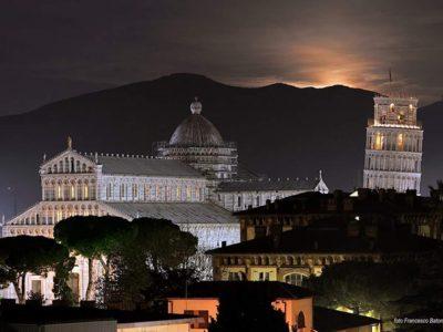 Pisa, La Città Della Torre Pendente, Foto Di Francesco Batoni