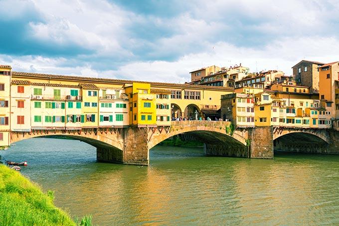 Ponte-Vecchio-sul-fiume-Arno,-Firenze