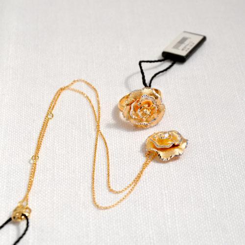 Ciondolo In Oro A Forma Di Rosa (5)