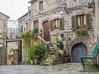 Arcidosso, Il Borgo Dell'Amiata Più Caratteristico Per La Presenza Di Opere D'arte