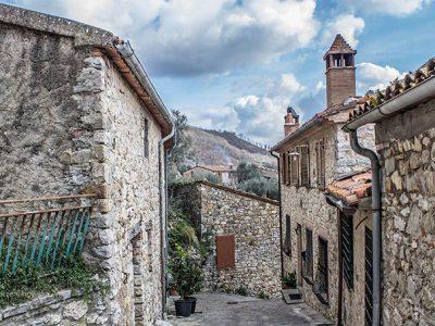Roccalbegna, Pittoresco Borgo Tra Due Fortezze, Foto Di Jola Orzechowska