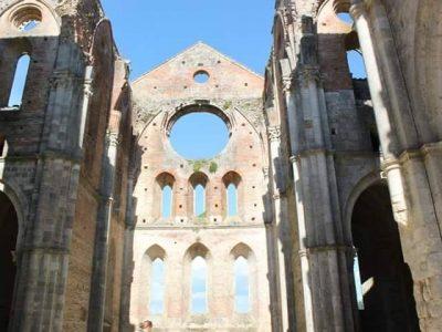 Sant Antimo E La Suggestiva Abbazia, Foto Di Marilena Sarritzu Oppus