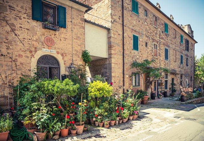 Borgo-di-bolgheri