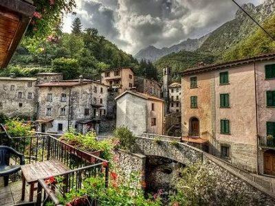 Fornovolasco, Paesino Della Garfagnana