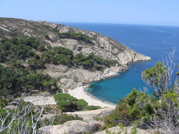 Isola-di-montecristo-cala-maestra-di-ghero