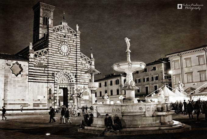 http://www.viverelatoscana.it/wp-content/uploads/2016/11/Prato-piazza-Duomo-di-Fulvio-Zampi-Pastorino.jpg