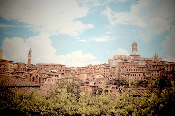 San Gimignano, Photo By KARINE VINTEVOGEL