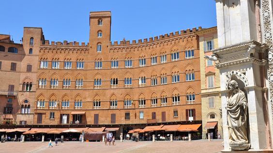 Il Palazzo Sansedoni di Siena